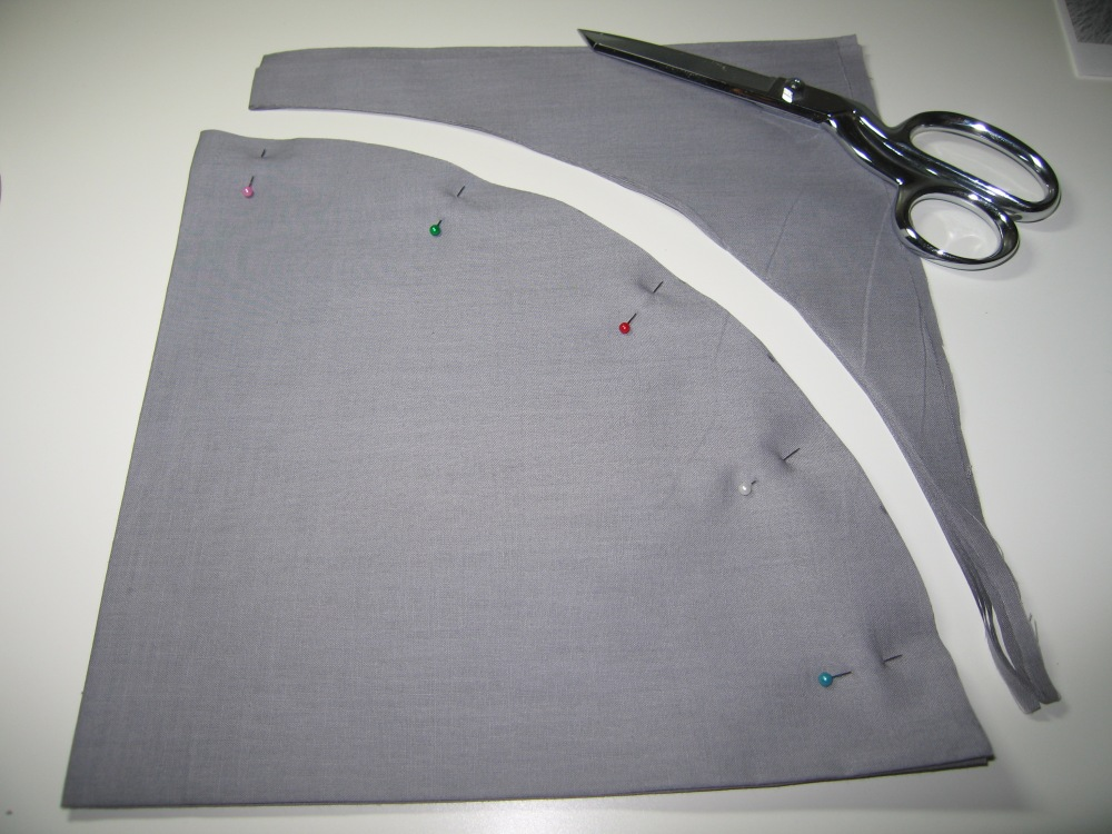 How to cut a really large circle from cloth without a pattern (3/5)