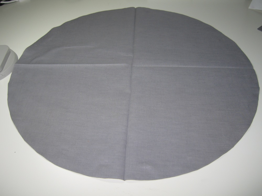 How to cut a really large circle from cloth without a pattern (4/5)